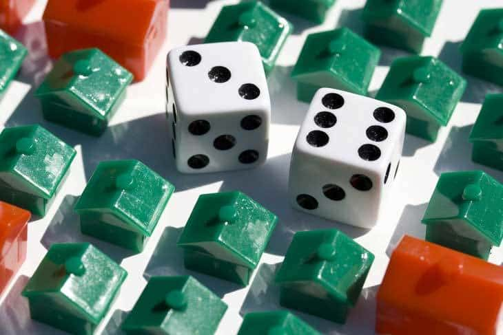 Housing market - dice and houses