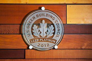 Leed Platinum building certification logo - LEED Canada