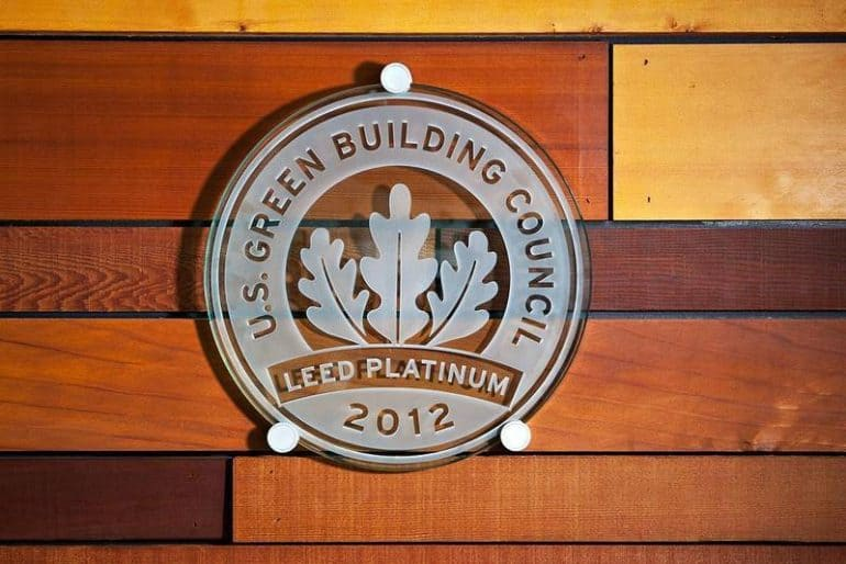 Leed Platinum building certification logo - LEED Canada