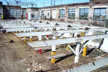 Deconstruction of building in Dallas, Texas - Building deconstruction and C&D material reuse stores