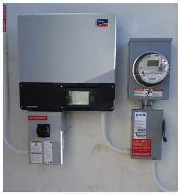 Metering device with DC disconnect switch - Grid-tied and off-grid solar systems