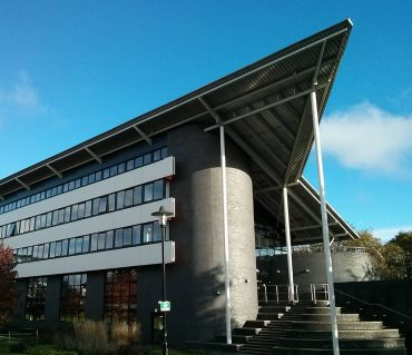 International Digital Laboratory at University of Warwick - Energy stored in electric vehicles can power entire buildings