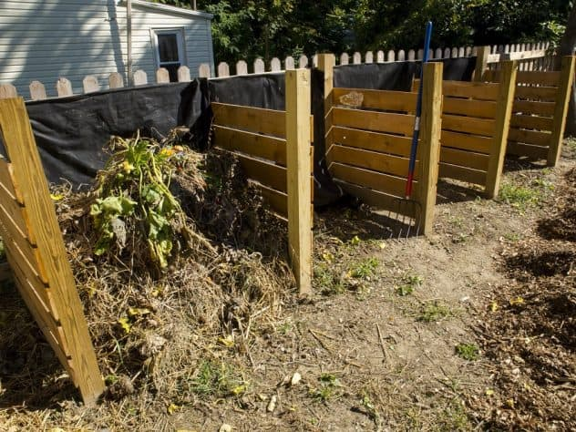 Small community composting area - Small-scale community composting