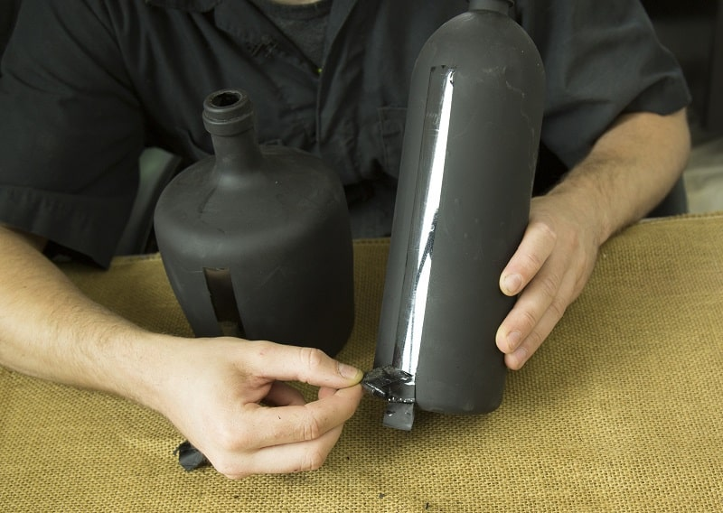 Removing tape - How to build a bottle hydroponic garden