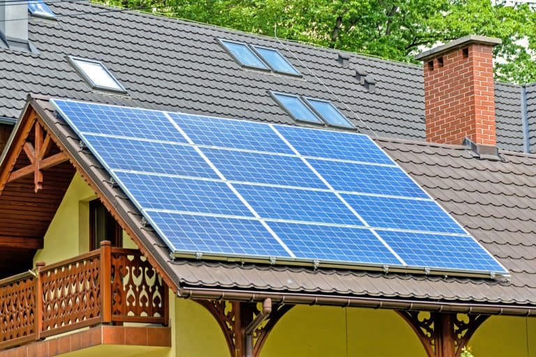 Solar panels on top of house's roof - 7 frequently asked questions about solar panel installation
