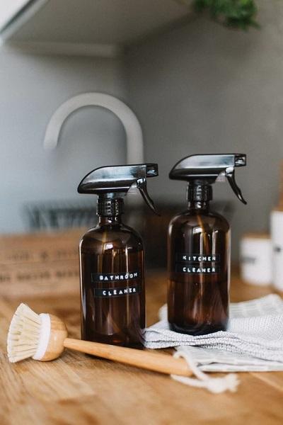 Glass spray bottles - Greener cleaning