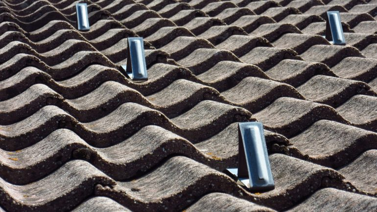 Concrete roof tiles via Pixabay