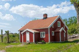 red barn house - home trends to watch in 2020